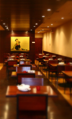 The warm, inviting atmosphere of Hai Yen on Clark